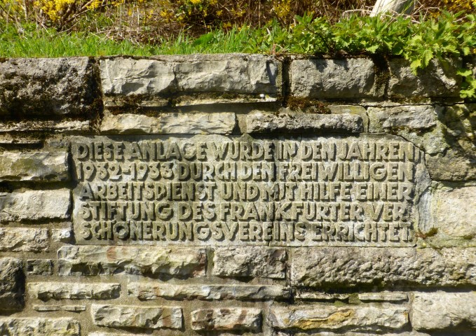 Hinweistafel Historisches Rosengärtchen