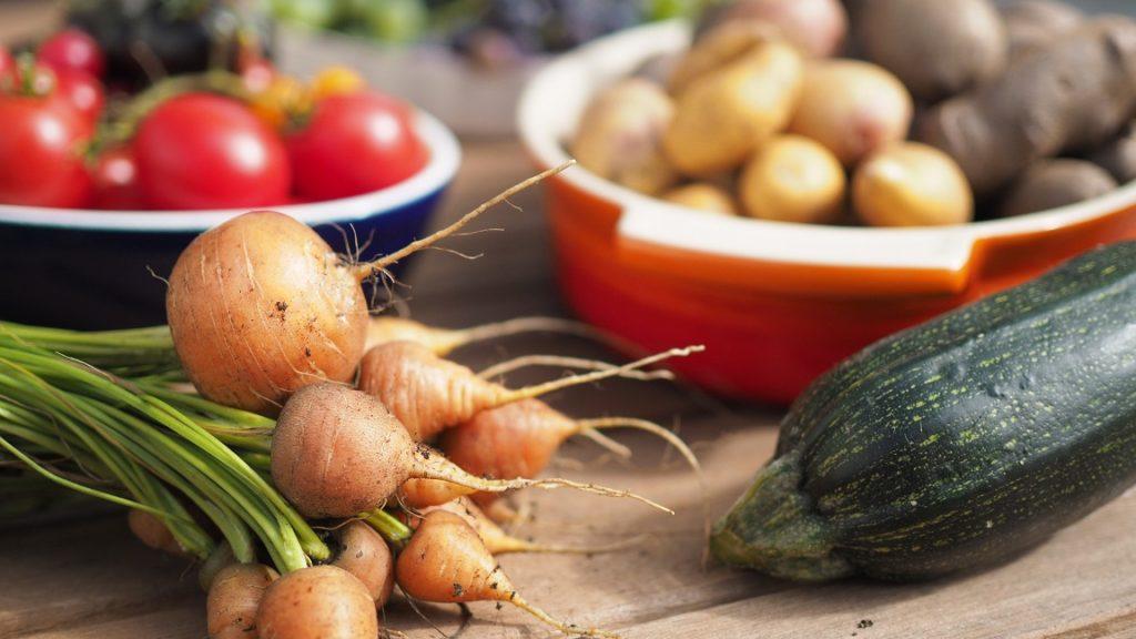 Selbstgezogenes Gemüse aus dem Kleingarten