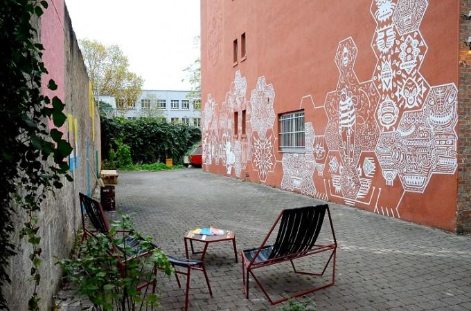 Wandbild Bienen an der HfG Offenbach