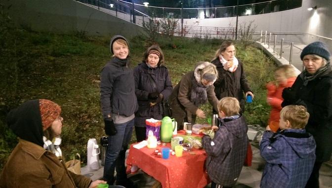 Gärtnern bei Flutlicht - die Aktiven vom Rödelheimer Bahnhofsgrün